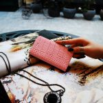 【iPhone SE 5s/5 ケース】Vivid Croco Diary ピンク