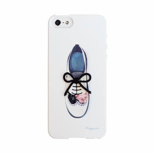 えっ!?リボンが飛び出ている!?シューズのデザインがキュートなiPhone SEケース
